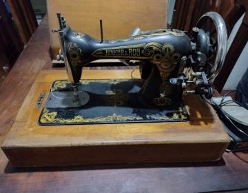 Vendo máquina de coser Junker & Ruh